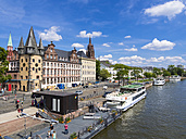 Germany, Hesse, Frankfurt, Excursion ships on the riverside of the Main, Cathedral in the background - AM002730