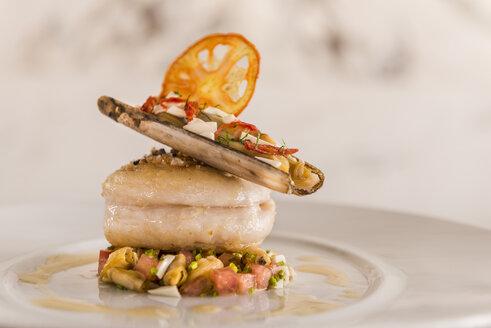 Haute Cuisine, Loup de mer, Sea bass, Pod razor, Ceviche, Seafood on plate - KMF001410