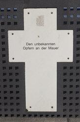 Germany, Berlin, memorial plaque for victims of Berlin Wall - CM000163