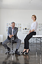 Portrait of two colleagues in an office - RBF001857