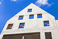 Germany, Hesse, Frankfurt, view to concrete building shell - WDF002587