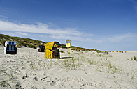 Germany, Lower Saxony, East Frisian Islands, Juist, hooded beach chairs on the beach - ODF000794