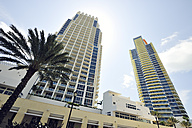 USA, Florida, Miami Beach, skyscrapers Continuum on South Beach - BR000643