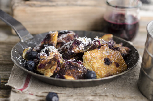 Kaiserschmarren with blueberries - ODF000817