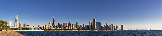 USA, Illinois, Chicago, skyline with Lake Michigan at dawn - FO006878