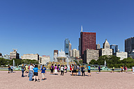 USA, Illinois, Chicago, Millennium Park, Tourists at Buckingham Fountain - FO007085