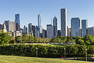 USA, Illinois, Chicago, Millennium Park and skyline - FOF007089