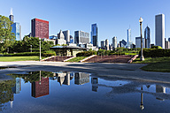 USA, Illinois, Chicago, Millennium Park and skyline - FOF007096