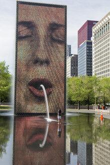 USA, Illinois, Chicago, Crown Fountain in Millennium Park - FO007098