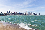 USA, Illinois, Chicago, Skyline, Willis Tower and Lake Michigan - FOF007226