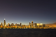 USA, Illinois, Chicago, Skyline and Lake Michigan at night - FO007233