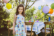 Girl with balloons in garden - MFF001240