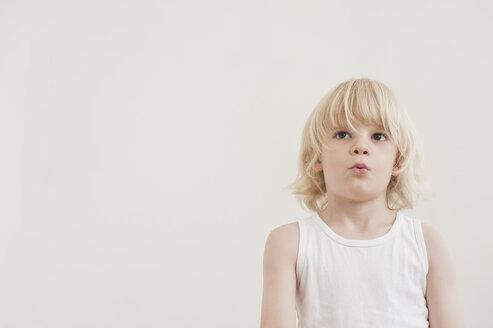 Portrait of pensive little boy - MJF001335
