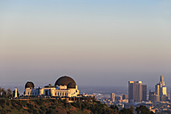 USA, California, Los Angeles, Skyline and Griffith Observatory in the evening - FO006989