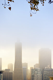 USA, California, San Francisco, Financial District with Transamerica Pyramide in fog - BRF000737