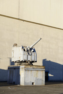 USA, California, San Francisco, old Navy cannon on Treasure Island - BRF000683