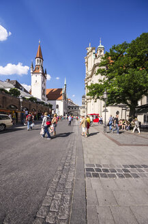 Germany, Bavaria, Munich, Altstadt-Lehel, Toy Museum in the old Townhall tower and Church of the Holy Spirit - THAF000598