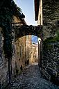 Italy, Veneto, Brenzone, Archway in Marniga di Brenzone - LVF001821