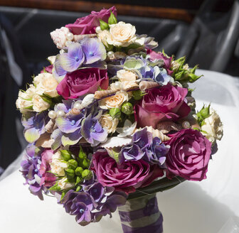 Bridal bouquet with shells - MABF000235