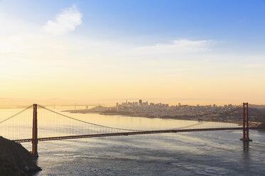 USA, California, San Francisco, skyline and Golden Gate Bridge seen from Hawk Hill - FOF007022