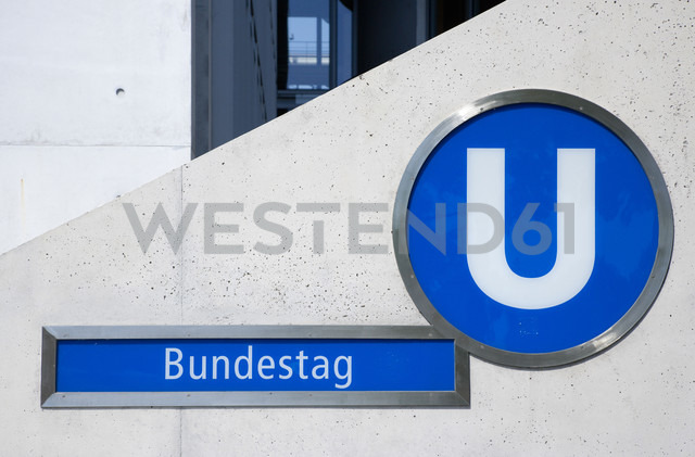 Germany, Berlin, Bundestag underground station entrance - PS000645 - Paul Seheult/Westend61