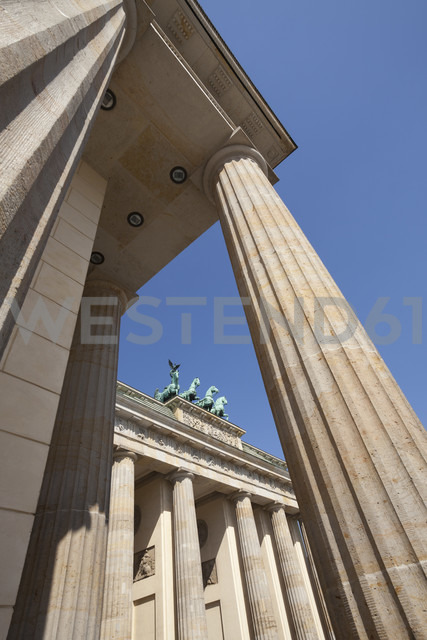 Germany, Berlin, Pariser Platz, Brandenburg Gate, Quadriga - WIF001020