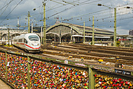 Germany, Cologne, Love locks on Hohenz - WG000444