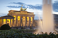 Germany, Berlin, Berlin-Mitte, Pariser Platz, Brandenburg Gate in the evening - WIF001047