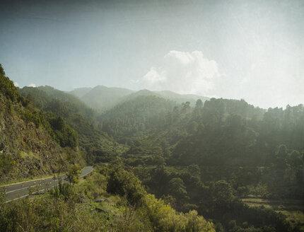 Spain, Canary Islands, La Palma, Lomo de la Crucita, View on Roque de las Muchachos - DWIF000195