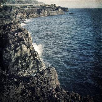 Spain, Canary Islands, La Palma, Lava rocks near Puerto Naos - DWIF000197