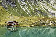 Austria, Vorarlberg, Lechtal Alps, Lake Zuersersee - STSF000515