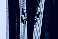 Austria, Vienna, Donau City, window cleaners at DC Tower 1 - DIS001045