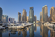 United Arab Emirates, Dubai, Dubai Marina, yacht harbour with skyscrapers - HSIF000347