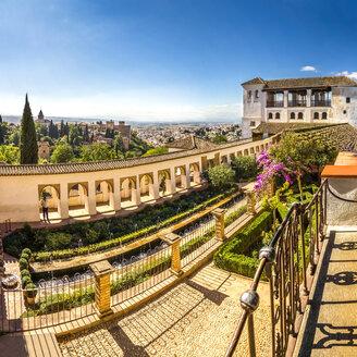 Spain, Andalusia, Granada, Alhambra, Patio de la Acequia, water garden - PUF000075