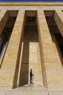 Turkey, Ankara, Anitkabir, Guard in front of Ataturk's Mausoleum - SIE005946