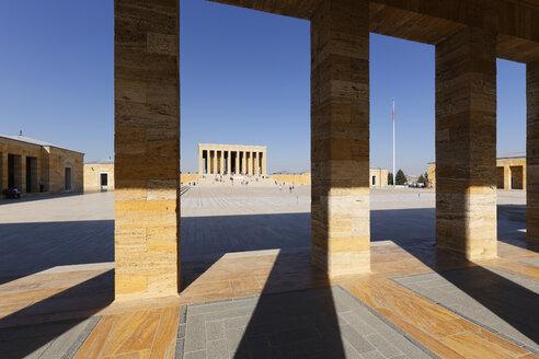 Turkey, Ankara, Anitkabir, View through columns of Ataturk's Mausoleum - SIE005948