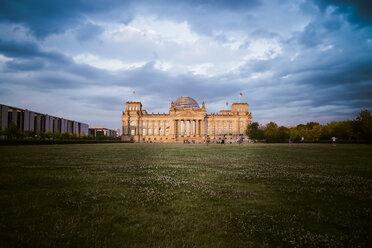 Germany, Berlin, Berlin-Tiergarten, Reichstag building in the evening - KRPF001144