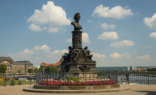 Germany, Saxony, Dresden, Bruehl's Terrace, Monument of Ernst Rietschel - WGF000462