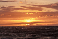 New Zealand, South Island, Hokitika, sundown at ocean - WV000738