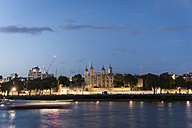 United Kingdom, England, London, River Thames, Tower of London in the evening light - PAF000937