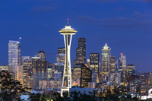 USA, Washington State, skyline of Seattle with Space Needle at blue hour - FOF007108