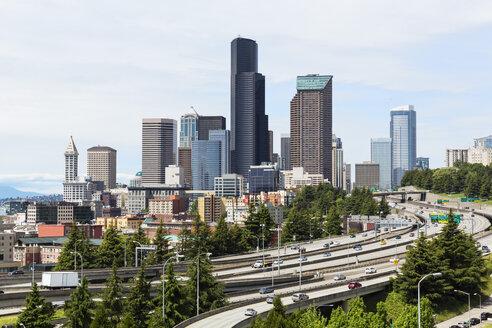 USA, Washington State, Seattle, Dr. Jose Rizal Park, Interstate 5 and skyline - FOF007186
