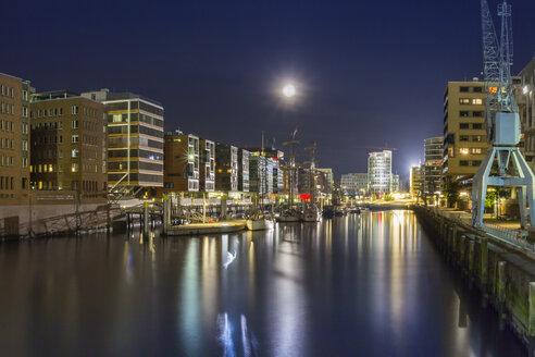 Germany, Hamburg, Full Moon over the HafenCity - NKF000175