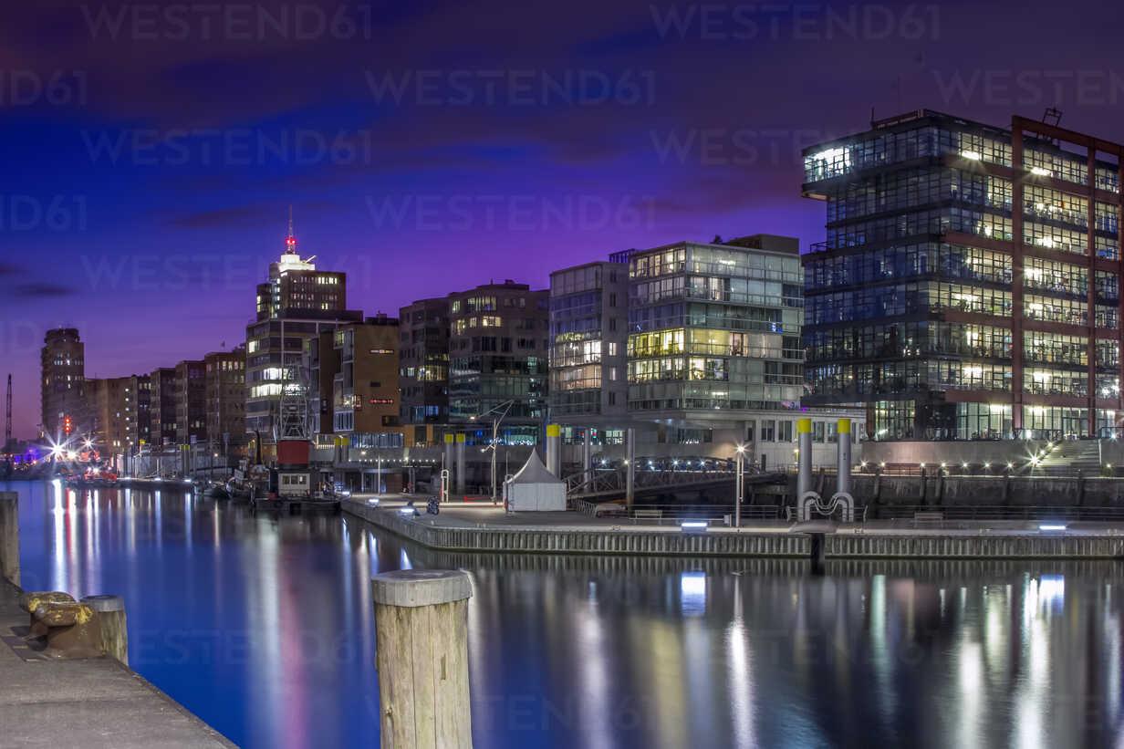 Germany, Hamburg, Hafencity, Modern office and apartment buildings - NKF000181 - Stefan Kunert/Westend61
