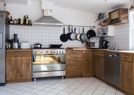 Kitchen in a penthouse flat - TK000381