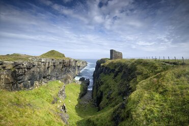 United Kingdom, Scotland, Wick, Castle of Old Wick on the North Sea Coast - ELF001365