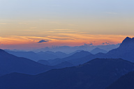 Austria, Upper Austria, Salzkammergut, view from Alberfeldkogel in Hoellen Mountains at sunset - SIEF006004
