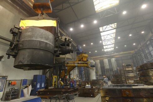 Container with hot steel in a foundry - SCH000417