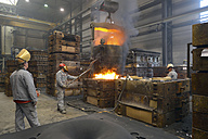 Casting of steel in a foundry - SCH000418