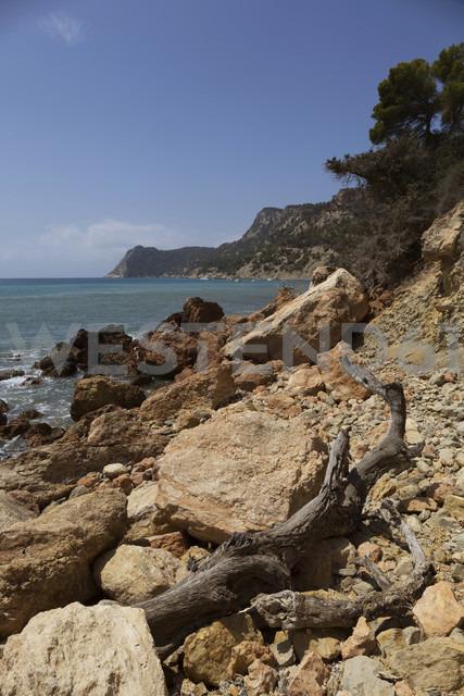 Spain, Balearic Islands, Ibiza, Cala Es Cubells, Meditteranean Sea - TKF000405